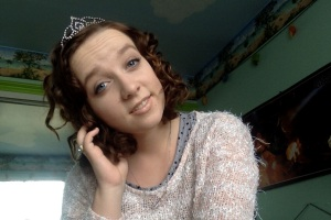 yesterday when I found one of my tiaras from paegant days lying around my room.